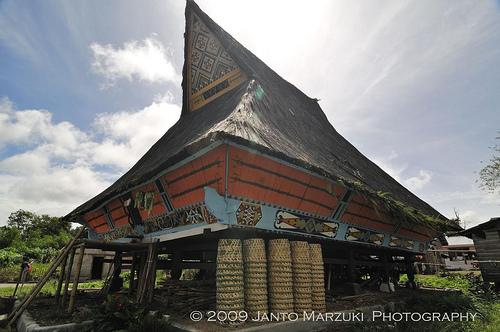 Rumah Adat Karo Dinominasikan untuk Restorasi 2012
